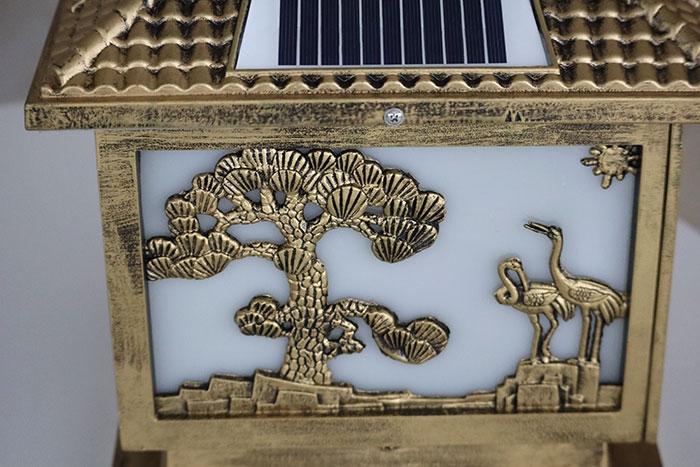 太阳能柱头灯细节图