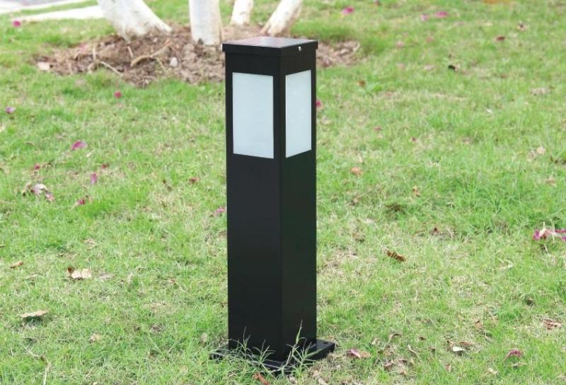 四方太阳能草坪灯场景