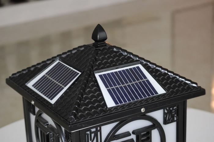 财源广进太阳能柱头灯