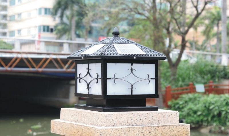 花笼太阳能柱头灯场景图