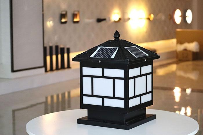 中字压铸铝太阳能柱头灯|户外别墅柱头灯|月汇好